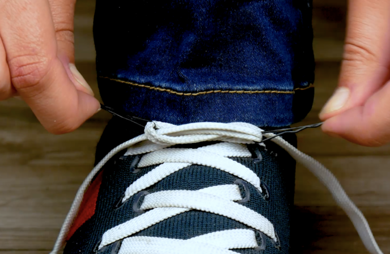 Knoten im Schnürsenkel lösen